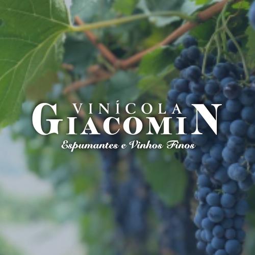 Vinícola Giacomin no Facebook